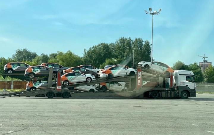 Автомобили Делимобиль
