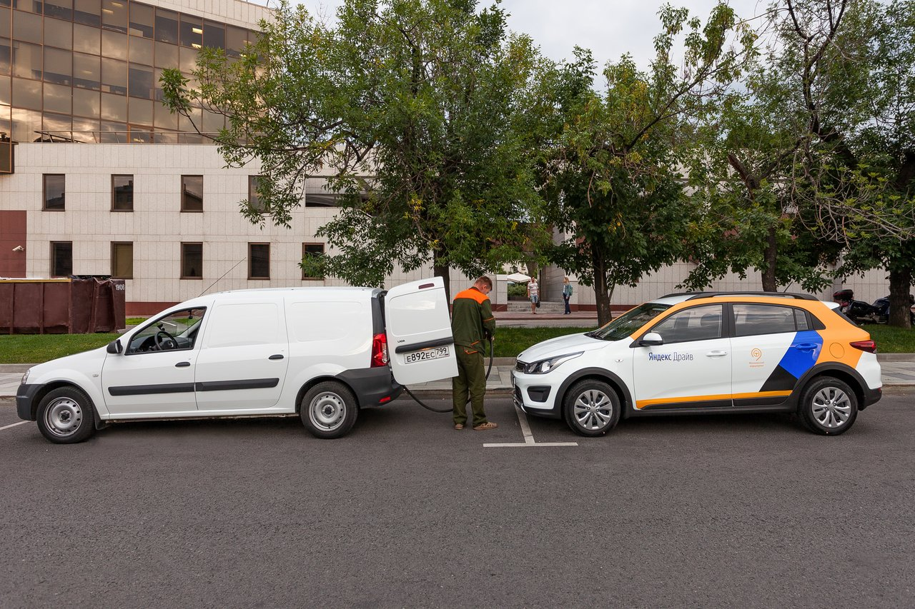Заправка авто в Яндекс Драйв
